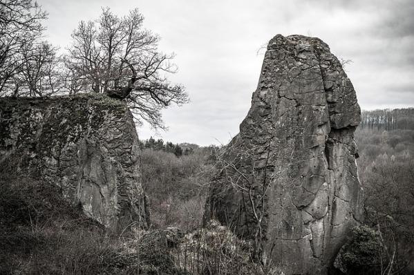 rock-1271669_640